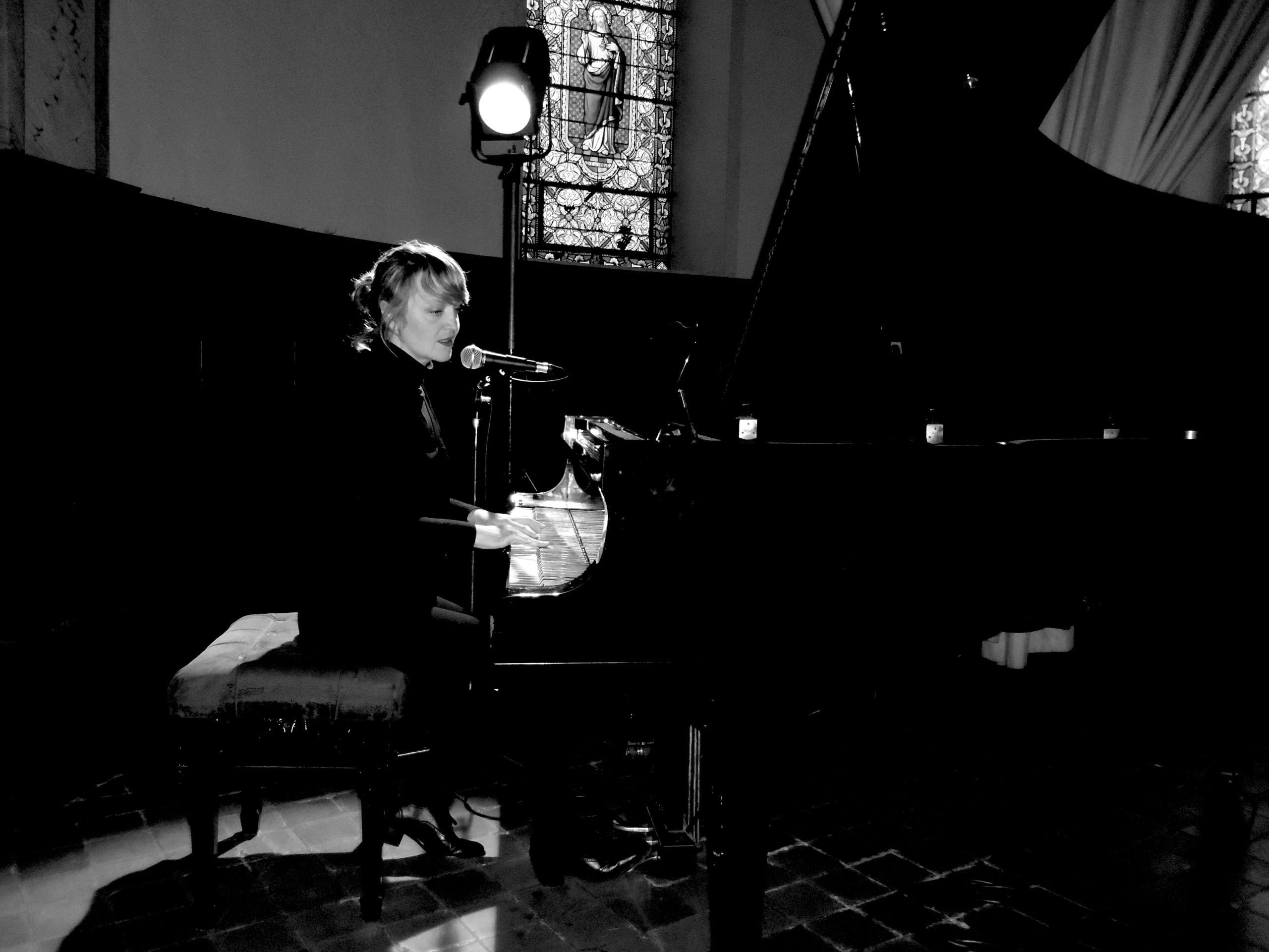 Rencontre avec la chanteuse et pianiste Addie