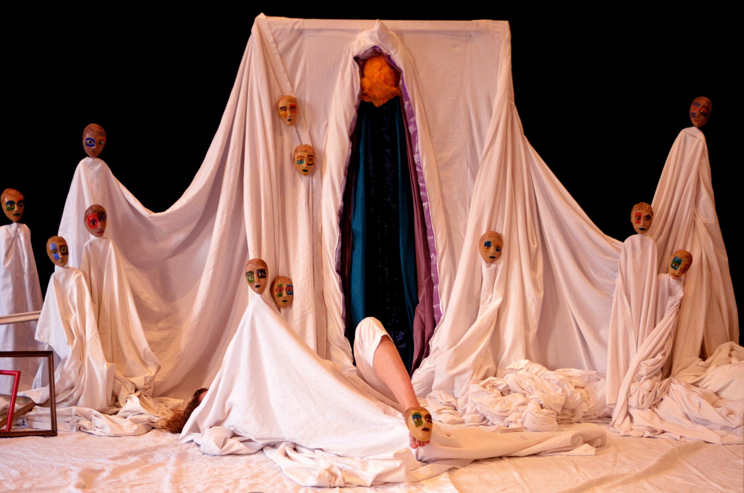 Soutenez les premières représentations du spectacle Troubles, la main de Vénus !